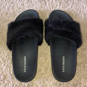 Black Fur Steve Madden Slides!!